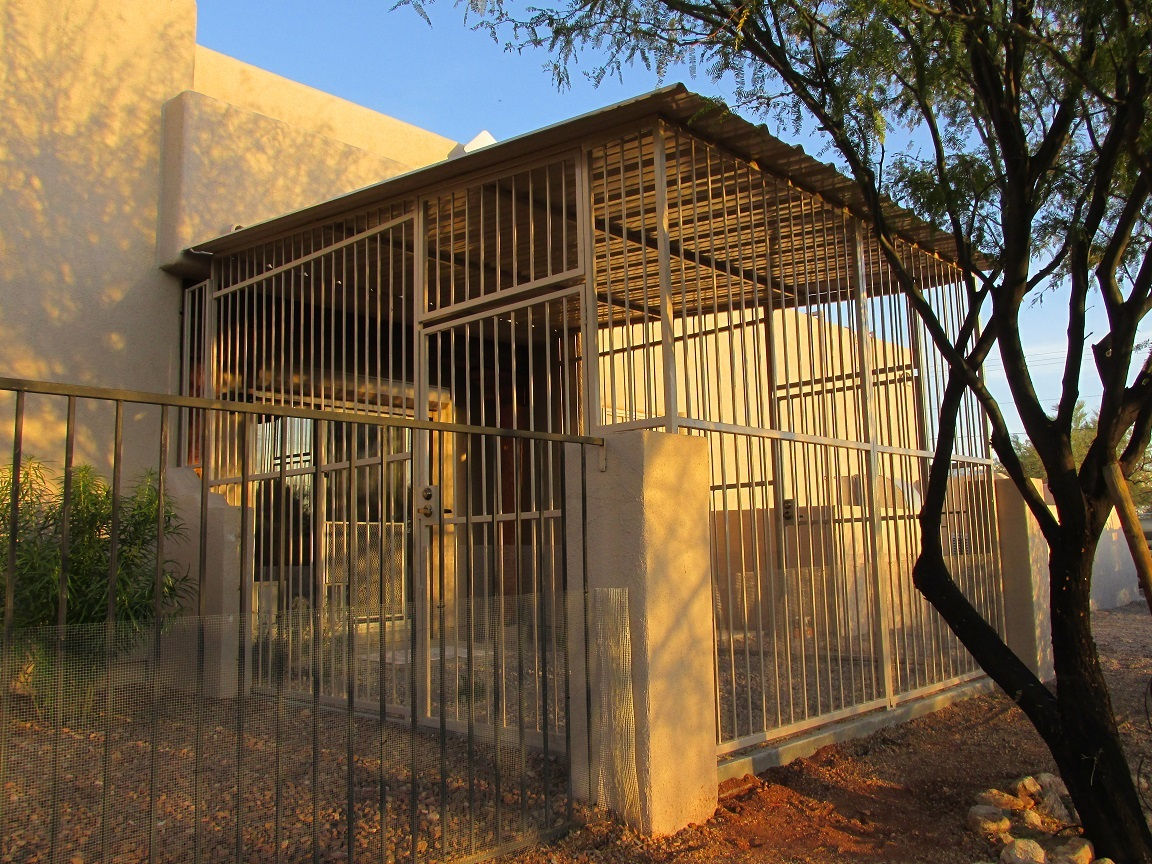 Dog Kennels for sale in Scottsdale AZ.