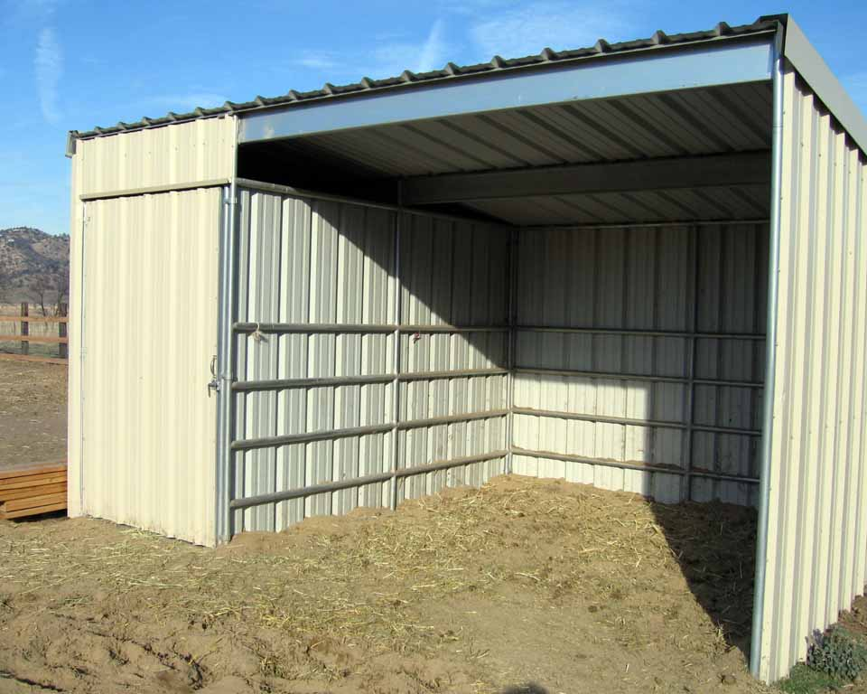 Az hay barns mare motels tack rooms installed arizona for Aluminum sheds for sale