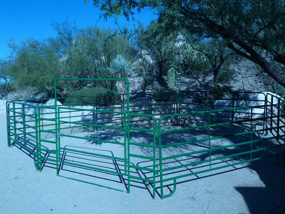 Heavy Duty Horse Corrals